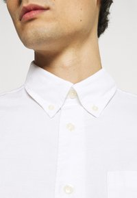 Selected Homme - SLHREGRICK FLEX - Shirt - white - 6