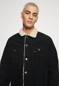 Lee - SHERPA  - Light jacket - black - 3