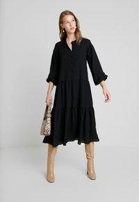 Samsøe Samsøe - RHONDA DRESS 2-IN-1 - Vestito estivo - black - 1