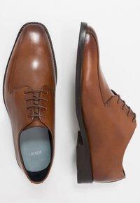 JOOP! - PHILEMON PISTA LACE UP  - Elegantní šněrovací boty - cognac - 1