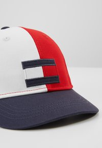 Tommy Hilfiger - BIG FLAG - Lippalakki - blue - 2