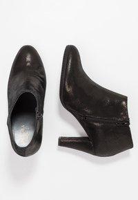 Carvela Comfort - ROSS - Korte laarzen - black - 3