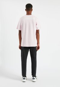 PULL&BEAR - Print T-shirt - rose - 2