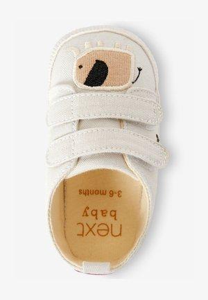 První boty - grey