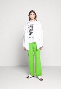 MM6 Maison Margiela - SMART - Kalhoty - green - 1