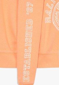 Polo Ralph Lauren - GRAPHIC - Mikina - key west orange - 4