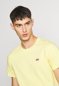 Levi's® - ORIGINAL TEE - T-shirt basic - dusky citron - 4