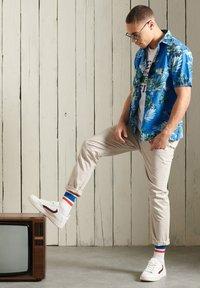 Superdry - HAWAIIAN  - Skjorta - brush palm blue - 0