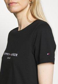 Tommy Hilfiger - T-shirt z nadrukiem - black - 5