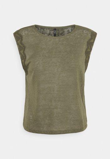 ONLCELINE MIX - T-shirt med print - kalamata