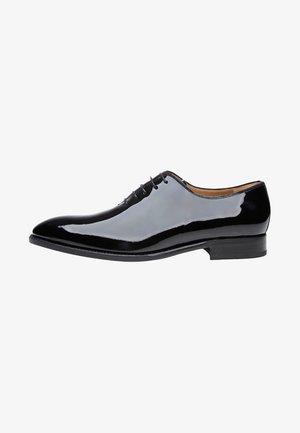 NO. 521 - Smart lace-ups - black