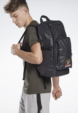 COMBAT BACKPACK - Ryggsekk - black