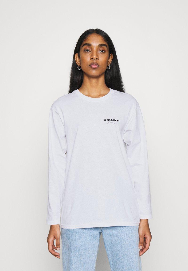 Topshop - SUN SOLAR SKATER - Long sleeved top - white
