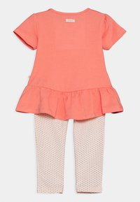 Staccato - SET - Print T-shirt - apricot/light pink - 1