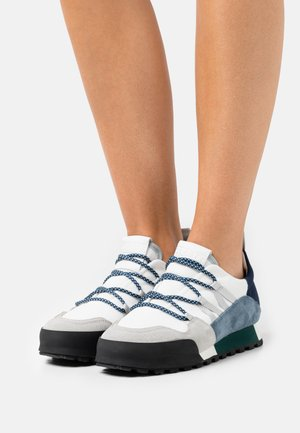 CHIRPY - Sneakersy niskie - blue slate
