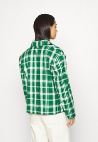 Monki - PENNY - Short coat - green - 2