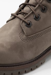Timberland - 6 IN PREMIUM WP BOOT - Lace-up ankle boots - olive - 2