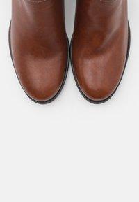 Tamaris - Ankelstøvler - cognac - 5