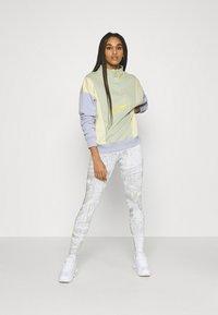 Nike Sportswear - Sweatshirt - olive aura - 1