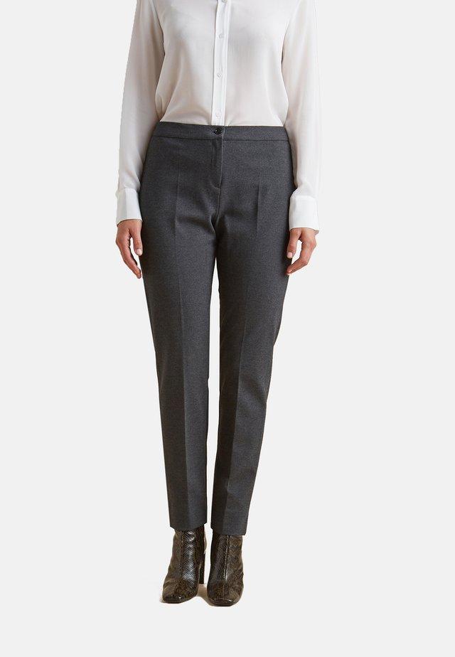 IN PUNTO MILANO - Pantalones - grigio