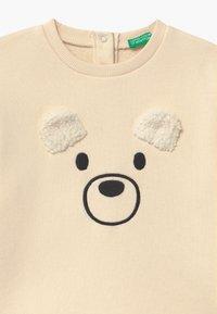 Benetton - FOREST FRIENDS  UNISEX - Sweatshirt - off-white - 2