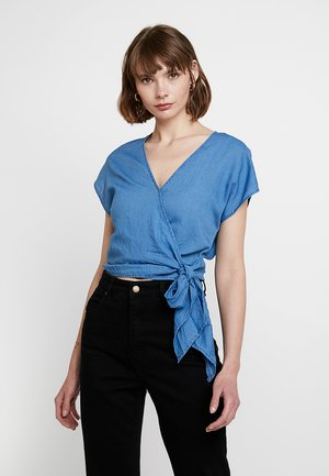 SHORT SLEEVE WRAP TIE FRONT - Blusa - faded indigo