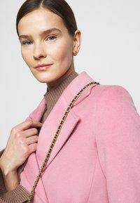 MAX&Co. - SRUN - Krátký kabát - pink - 4