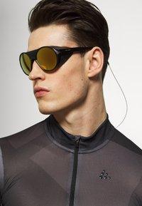 Oakley - CLIFDEN - Sonnenbrille - black - 1