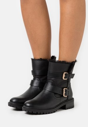 ARUBABUCKLE BOOT - Cowboy/biker ankle boot - black
