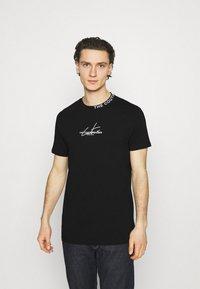 The Couture Club - SIGNATURE LOGO - Print T-shirt - black - 0