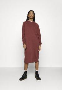 Noisy May - NMHELENE DRESS - Day dress - hot chocolate - 0