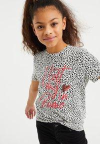 WE Fashion - MET OPDRUK, PAILLETTEN EN DESSIN - T-shirt print - all-over print - 1