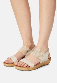 Skechers - BRIE - Platform sandals - nude sparkle - 0