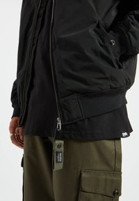 PULL&BEAR - BASIC - Bomber Jacket - black - 3