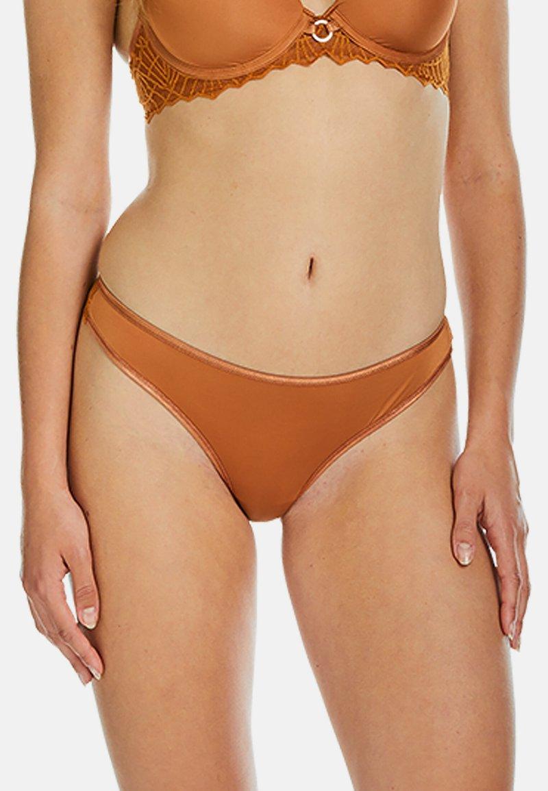 Sapph - String - brown