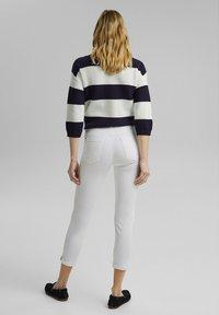 Esprit - MR CAPRI - Pantaloni - white - 3