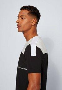 BOSS - TEE  - Print T-shirt - black - 3