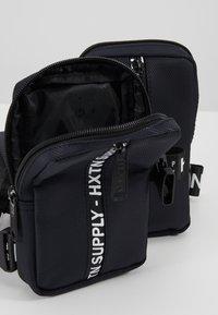 HXTN Supply - PRIME BODYBAG - Bum bag - delta - 5