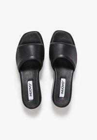 Inuovo - Slippers - schwarz - 1