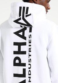 Alpha Industries - BACK PRINT HOODY - Sweat à capuche - weiss - 7