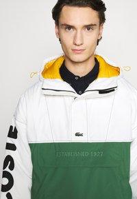 Lacoste LIVE - BH1134_X0N - Light jacket - flour/green - 3