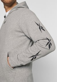 Reebok - VECTOR TRACKSUIT - Trainingspak - grey - 5