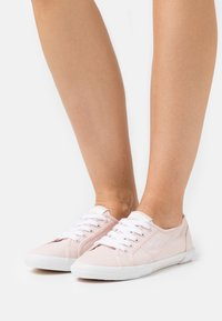 Pepe Jeans - ABERLADY ECOBASS - Trainers - powder rose - 0