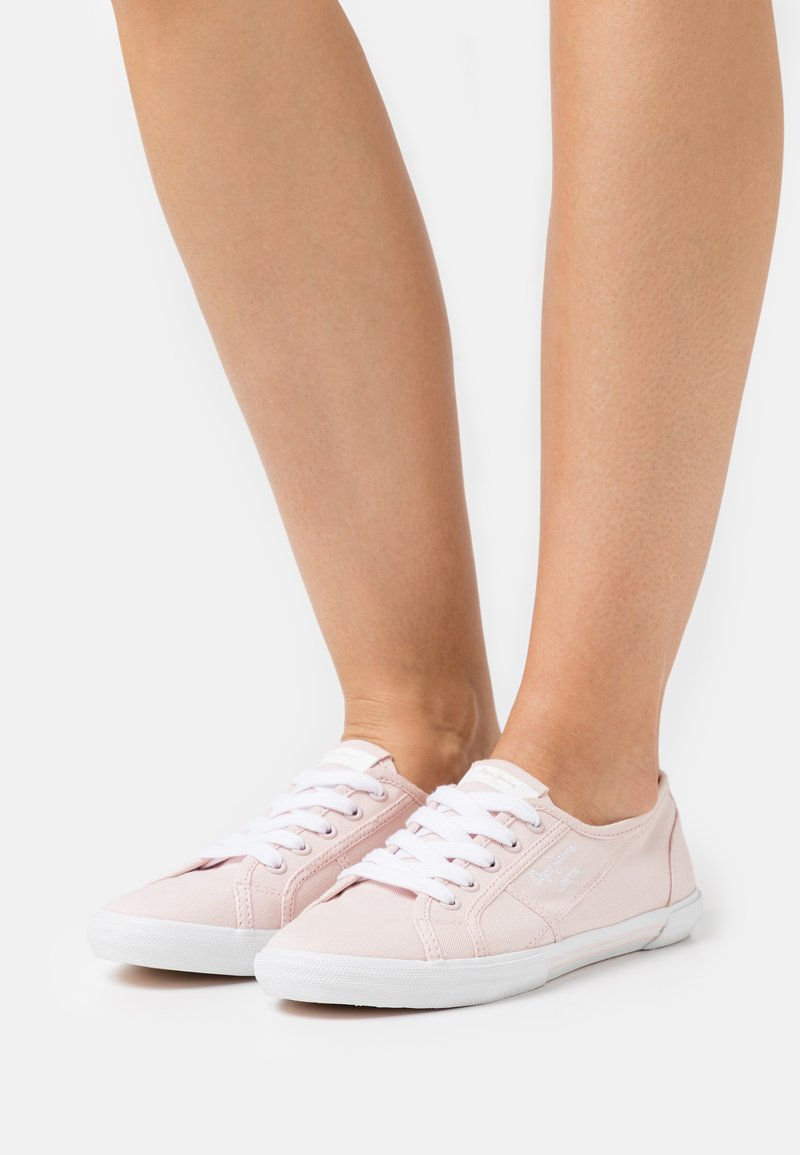 Pepe Jeans - ABERLADY ECOBASS - Trainers - powder rose