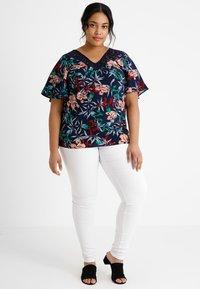 Zizzi - AMY LONG - Jeans Skinny - bright white - 1