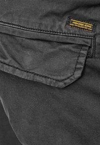 INDICODE JEANS - LEVI - Cargo trousers - raven - 3