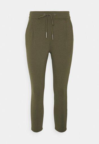 VMEVA LOOSE STRING PANTS - Trousers - ivy green