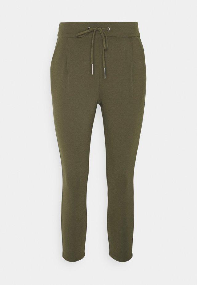 VMEVA LOOSE STRING PANTS - Pantalones - ivy green
