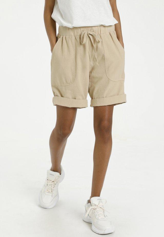 KANAYA - Shorts - classic sand