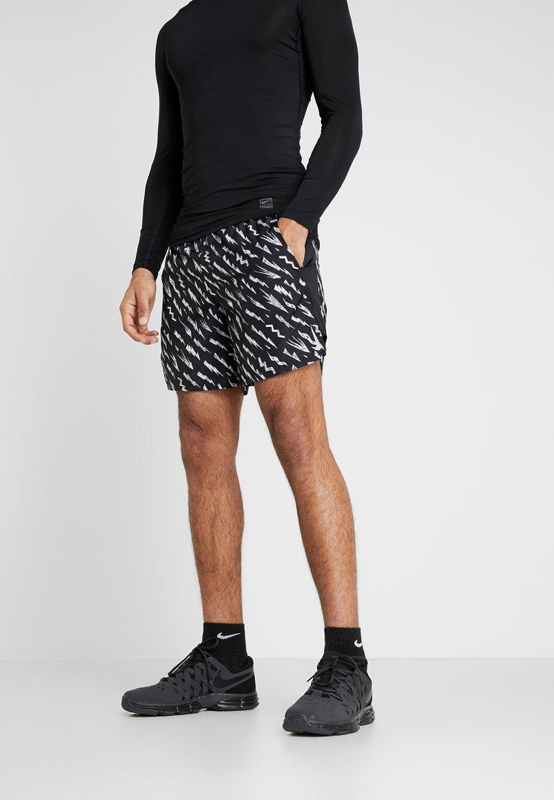 Nike Performance - SHORT  - Pantalón corto de deporte - black/silver